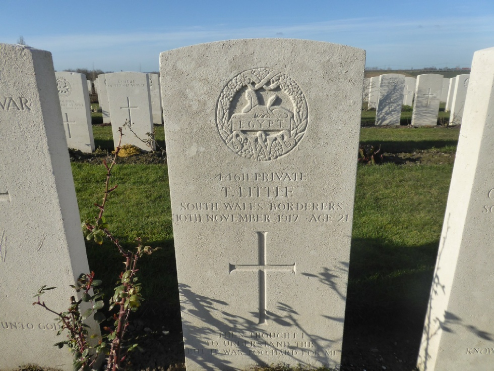 Grave stone of Private Tom Little - Photo © Rob Shephard